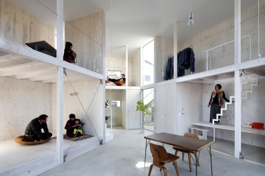 A Door-less House